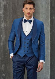 3ca5a0ef12281 Smoking azul klein Arax Gazzo de 1 2 etiqueta con pantalón y solapa de  americana y chaleco blue navy  araxgazzo