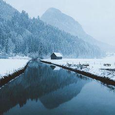 Foggy countryside mornings. Photo by @jannikobenhoff #stayandwander