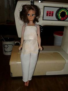 Barbie wit langbroek en toppie