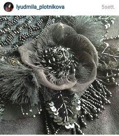 #вышивка #люневильскийкрючок #школавышивки #кутюрнаявышивка #embroidery #fashionembroideryschool #fashionembroidery #coutureemvroidery #люневиль #тамбурнаявышивка