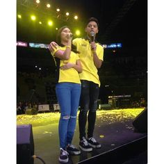 This is the pretty Kathryn Bernardo and the handsome Daniel Padilla doing a hosting stint during the Liberal Party campaign sortie at Smart Araneta Coliseum last April 28, 2016, during its Miting D'Avance. Indeed, KathNiel are proud supporters of Mar Roxas and Leni Robredo for Halalan 2016. #KathNiel #KathNielBernadilla #RoxasRobredo #Halalan2016 #IpanaloangPamilyangPilipino Child Actresses, Child Actors, Inigo Pascual, Daniel Johns, Enrique Gil, Liberal Party, Abs, Daniel Padilla, Star Magic