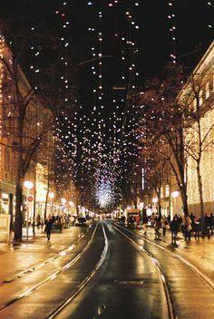 Bahnhofstrasse in Zürich during the holidays