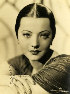 Sylvia Sidney, 1930s. I love how the sleeked back hairstyle complements her amazing bone structure and eyes.