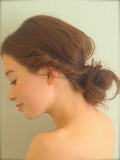 この画像は「外国人風♡ルーズなヘアアレンジが簡単でかわいい!」のまとめの15枚目の画像です。