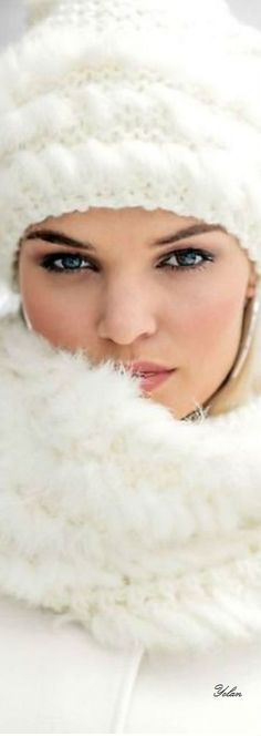 Ski Fashion, White Fashion, Color Fashion, Ski Sweater, Sweater Weather, Glamour Shots, Winter Time, Just In Case, Black And White