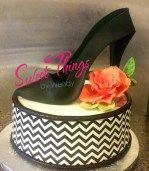 High heel and flower cake topper Flower Cake Toppers, Let Them Eat Cake, Dog Bowls, High Heel, Cupcake Cakes, Sweet, Candy, Heels, Pumps Heels