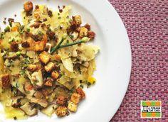 Lascas de batata doce salteadas com tofu crocante