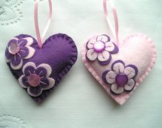 White snow Felt Ornament hearts flowers christmas by feltgofen Felt Crafts Diy, Felt Diy, Handmade Felt, Xmas Crafts, Valentine Crafts, Sewing Crafts, Ornament Crafts, Felt Ornaments, Felt Decorations