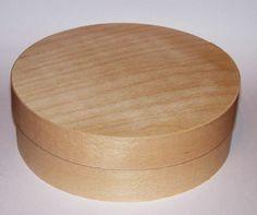 Przedmioty z drewna do ozdabiania decoupage