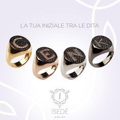 Il tuo anello è il tuo sigillo più prezioso!  #isedé #isedéjewelry #jewels #jewellery #letters #name #nome #colors #gold #silver #bronze #platinum #ring #chevalier #anello