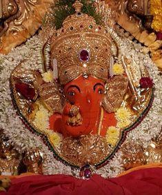 Shri Siddhivinayak Ganpati, Mumbai by Sharmila Deshpande on