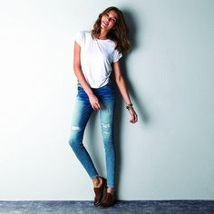 Happiness is.... Having your own Style! #Ashandroh #Trend #Jeans #Denim #Instajeans #Instafashion #Girldenim #Streetstyle #Blue #Tshirt #White #Fashionpost #Fashionstyle #Style #Stylish #Denim #Jeans #Outfit