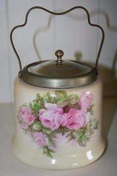 Porcelain biscuit tin