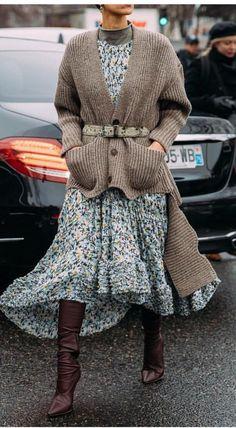 How to Wear your Favorite Dress this Winter - Mode Trend Fashion, Fast Fashion, Look Fashion, Womens Fashion, Fashion Ideas, Fashion Fall, Floral Fashion, Korean Fashion, Burgundy Fashion