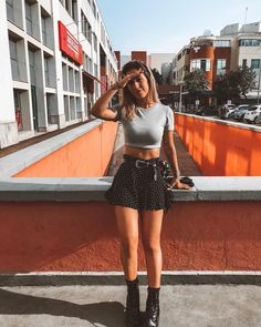 How to Wear Combat Boots With These 4 Must-Have Bottoms Summer Boots Outfit, Summer Outfits, Doc Martens Outfit Summer, Look Fashion, Fashion Models, Fashion Outfits, Fashion Tips, Combat Boot Outfits, Combat Boots Look