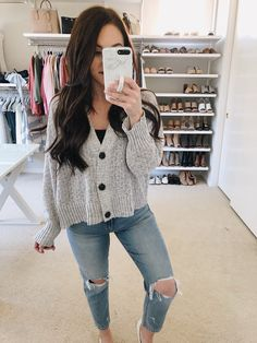 See our amazing selection of females' outfit at American Eagle Outfitters. American Eagle Shirts, American Eagle Outfits, American Eagle Sweater, American Eagle Clothing, Early Spring Outfits, Fall Outfits, Casual Outfits, Summer Outfits, Cute Outfits
