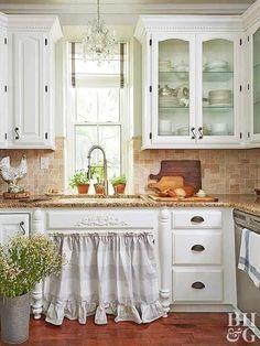Modern Country Kitchens, Farmhouse Style Kitchen, New Kitchen, Kitchen Dining, Kitchen Decor, Kitchen Ideas, White Kitchen Cabinets, Granite Tile Countertops, Small Kitchens