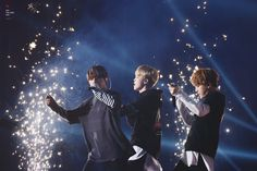 V, Jimin and Suga ❤ Pyeongchang Winter Olympics Concert #BTS #방탄소년단