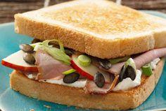 Sandwich mit Bratenaufschnitt, Äpfeln und Sonneblumenkernen #goldentoast