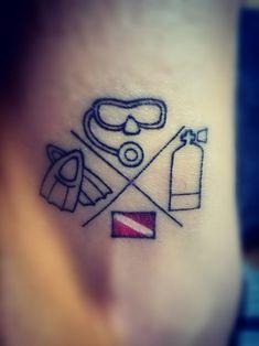 Tattoos idea for divers. Dove Tattoos, Tribal Sleeve Tattoos, Tattoos Skull, Skull Tattoo Design, Dragon Tattoo Designs, Tribal Tattoo Designs, Celtic Tattoos, Mini Tattoos, Leg Tattoos