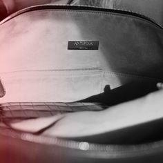 Handbag, travel bag