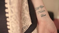 coolTop Women Tattoo - all you need is love...