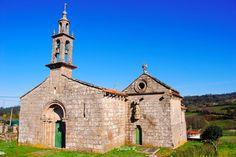 Iglesia de San Pedro de Ansemil Romanesque, Notre Dame, Barcelona Cathedral, Iglesias, Building, Travel, Exotic Places, Green, Cathedrals
