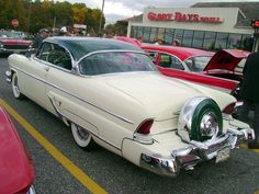 1955 Lincoln Capri with continental kit