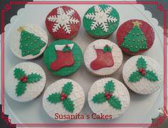 Hermosos Cupcakes Navideños!!!...#cupcakes #decoratedcupcakes #ponquesitos #christmascupcakes #navidad #christmas #navidadcupcakes #susanitascakes #talentovenezolano