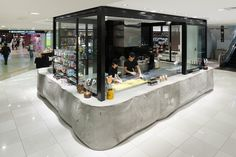 Papabubble at Tokyo Daimaru by Schemata Architecture Design Design Decor Retail Interior, Modern Interior, Interior Design, Cafe Restaurant, Restaurant Design, Office Shop, Pop Up Shops, Architecture Office, Stand Design