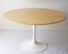 i have a deep love for this Saarinen table. i will own this one day!