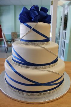 Gold Wedding Cakes Wedding Cake, Rhinestones and Sapphire -- change to pink and we're good! Wedding Cake Photos, Elegant Wedding Cakes, Anniversary Parties, Wedding Anniversary, Anniversary Ideas, Sweet 16, Sapphire Anniversary, Sapphire Wedding Rings, Beautiful Cakes