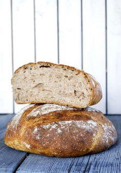 Härligt rustika bröd, perfekta till buffén - och till kvällsmackan!