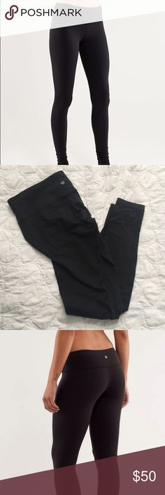 Lululemon wunder under tight Lululemon wunder under tight in black. Some pilling on crotch and left hip area. Can't notice pilling when wearing leggings. No holes or discoloration. In used condition. Size 10 lululemon athletica Pants Leggings