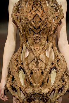 Micro Collection S/S12 // Iris Van Herpen | Afflante--This is a fascinating dress!  I wonder what it's made of...