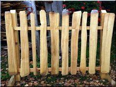 Rusztikus fakerítések - Antik bútor, egyedi natúr fa és loft designbútor, kerti fa termékek, akácfa oszlop, akác rönk, deszka, palló