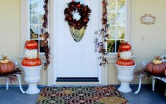 beautiful fall decorations for front porch... really not that difficult. they're so cute i'd want to keep them year round :)