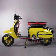 not a motorcycle, I have this same Lambretta in red & white Scooters Vespa, Vespa Ape, Lambretta Scooter, Scooter Motorcycle, Motor Scooters, Italian Scooter, Retro Scooter, Vintage Motorcycles, Triumph Motorcycles