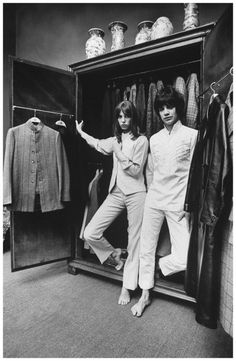 Actress Jane Berkin, (L) wears slacks outfit & displays unisex wardrobe with Pop Composer Gervase (R). Location: London, United Kingdom Date taken: 1968 Photographer: Bill Ray Charlotte Gainsbourg, Serge Gainsbourg, Jane Birkin, Slacks Outfit, French Pop, Swinging London, Francoise Hardy, Lou Doillon, Twist And Shout
