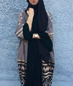 Find images and videos about hijab and abaya on We Heart It - the app to get lost in what you love. Iranian Women Fashion, Arab Fashion, Islamic Fashion, Muslim Fashion, Modest Fashion, Hijab Chic, Hijab Style, Abaya Chic, Abaya Style