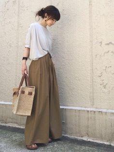 Women S Fashion Queen Street Grey Fashion, Minimal Fashion, Look Fashion, Korean Fashion, Fashion Outfits, Womens Fashion, Mode Hijab, Japan Fashion, Simple Style