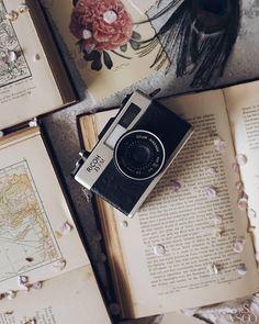 vintage camera raine wrable - Instax Camera - ideas of Instax Camera. Trending Instax Camera for sales. Instax Camera, Polaroid Camera, Camera Aesthetic, Aesthetic Photo, Photography Aesthetic, Old Cameras, Vintage Cameras, Photography Camera, Vintage Photography