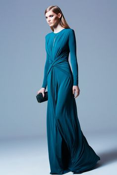 Celebrities who wear, use, or own Elie Saab Pre-Fall 2013 Longsleeve Keyhole Gown. Also discover the movies, TV shows, and events associated with Elie Saab Pre-Fall 2013 Longsleeve Keyhole Gown. Beautiful Gowns, Beautiful Outfits, Gorgeous Dress, Cocktail Vestidos, Robes Glamour, Vogue, Fashion Show, Fashion Design, Dream Dress