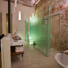 Amazing bathroom idea for when your bathroom space is unconventionally shaped.