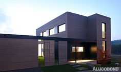 ROUGH & FLUSH - Project: Loft passive house Thaler, Esslingen | Germany - Architects: Dipl.-Ing. Architektin Kerstin Philipp | Germany - Construction: Glued on wooden substructure - Year of Construction: 2016 - Product: ALUCOBOND® Black - Photos: Dipl.-Ing. Architektin Kerstin Philipp