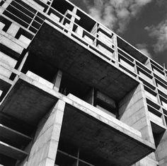Le Corbusier Palace of Assembly- The eye of Lucien Hervé Concrete Architecture, Concrete Building, Architecture Old, Architecture Details, Le Corbusier Chandigarh, Brutalist Buildings, Lucien, Architectural Photographers, Constructivism