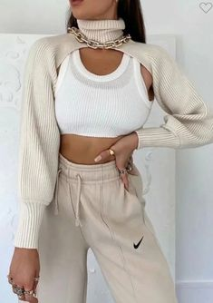 Cropped Knit Sweater, Crop Top Sweater, Sweater And Shorts, Turtleneck Style, Aesthetic Fashion, Look Fashion, Aesthetic Clothes, Fashion Outfits, Fashion Women