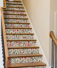 For basement stairs 8 Unexpected Ways To Use Removable Wallpaper - Murals Wallpaper Rose Gold Marble Wallpaper, Wallpaper Stairs, Wallpaper Murals, Adhesive Wallpaper, Print Wallpaper, Staircase Makeover, Staircase Ideas, Staircase Design, Modern Staircase
