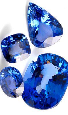 Originally described as 'Blue Sapphire' Minerals And Gemstones, Rocks And Minerals, Bleu Violet, Rocks And Gems, Gems Jewelry, Blue Sapphire, Sapphire Birthstone, Lapis Lazuli, Stones And Crystals