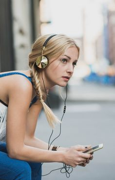 Louisa Wendorff rocks #FRENDS Layla #Headphones in Black & Gold, Rebecca Minkoff + Top Shop around NYC <3 Photo by Blythe Thomas. Shop the look: wearefrends.com